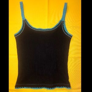 Beautiful black and blue crochet trim tank top!💙